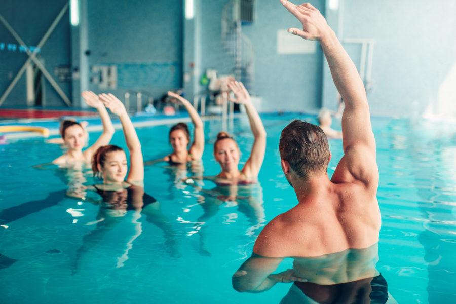 Quema calorías entrenando en la piscina